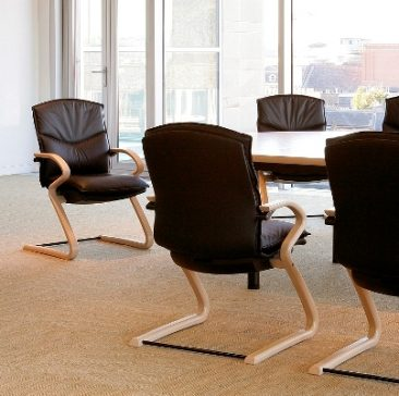 Freeflex Executive chair, wooden frame, leather upholstery
