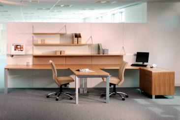 Verdi workwall with shared desk return