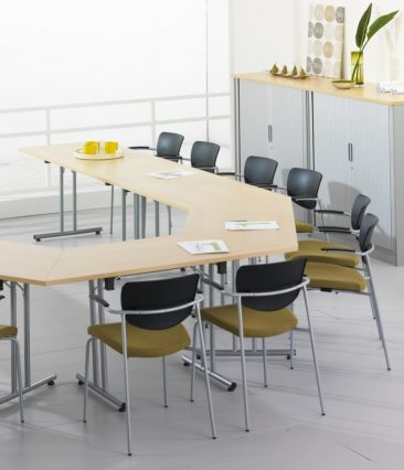 Harley trapezoidal and rectangular tables with folding frames