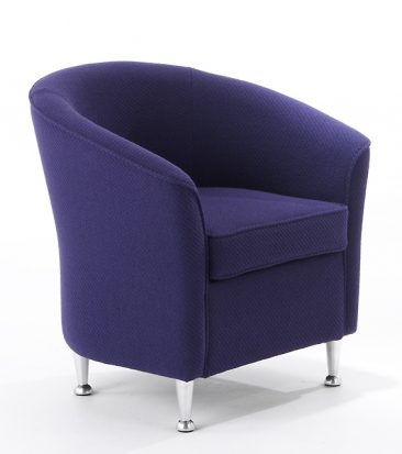 Barolo armchair with metal feet