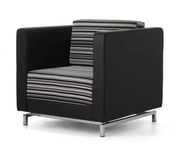 Dandy armchair with metal feet